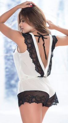Photo of Lacy Ivory Romper @EX4.NL Exclusive Lingerie