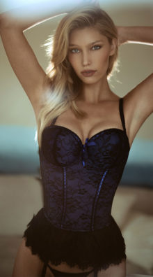 Photo of Victorian Lace Bustier and Thong @EX4.NL Exclusive Lingerie
